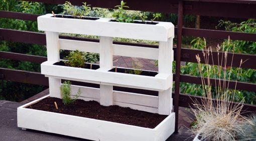 Wykorzystanie palet na balkonie lub w ogrodzie